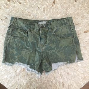 Free People Women's Camouflage Shorts Size 26